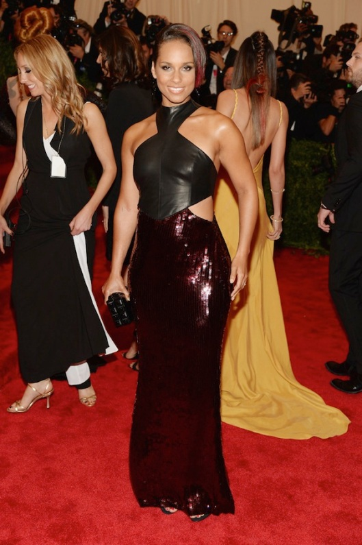 alicia-keys-met-gala-2013-costume-institute-punk-chaos-to-couture
