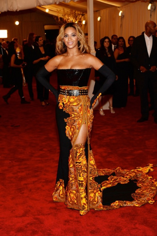 beyonce-givenchy-haute-couture